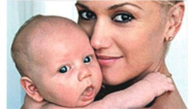 Gwen ile bebeğinin fotoğrafı bedava